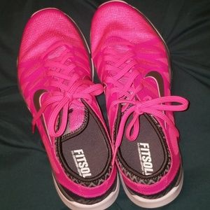 Hit pink womens Fitsole Nike 7.5